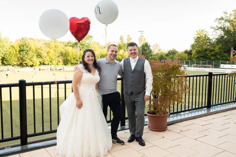 Hochzeitsfotograf mit Brautpaar